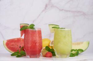 गर्मी में सबसे अच्छे तरल पेय पढ़ार्थ | Best Drinks For Summer in Hindi